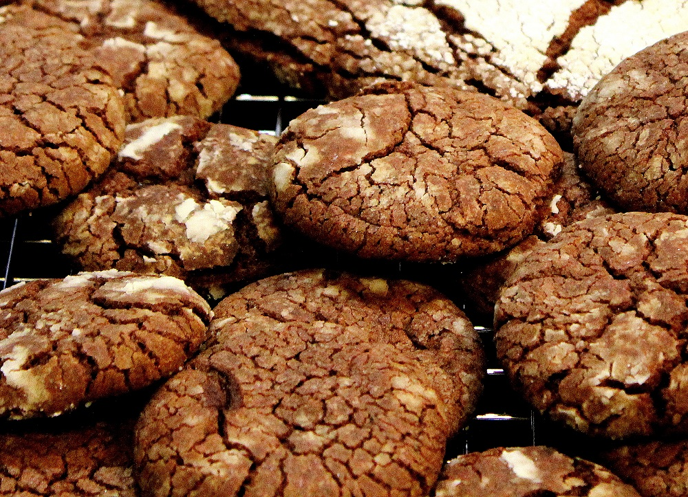 Baked Chocolate Crackle Cookies